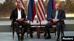"""Обама жана Путин акыркы ирет """"Чоң сегиздин"""" Түндүк Ирландиядагы саммитинде кездешкен. 17-июнь, 2013-жыл."""