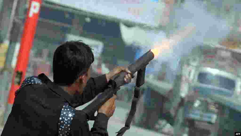 Pakistan - Protesti u blizini američkog konzulata u Karačiju, 17. septembar 2012. Foto: AFP / Rizwan Tabassum