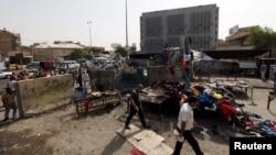 На месте взрыва в Багдаде. 17 сентября 2015 года.