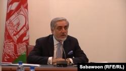 ښاغلي عبدالله: حکومت په خپلو هغه ژمنو عمل کوي چې له افغان ولس او له نړیوالې ټولنې سره یې کړي.