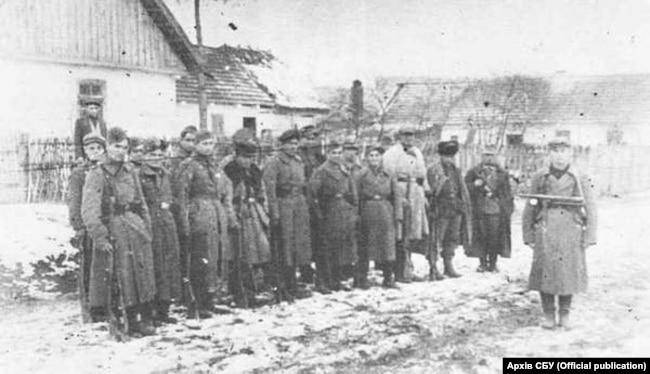 Національний узбецький підрозділ при УПА-Північ, 1943 рік. Фото з архіву СБУ