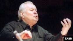 Евгений Светланов дебютировал в 1954 году в Большом театре постановкой оперы Римского-Корсакова «Псковитянка»; эта же опера спустя 45 лет стала последней работой Светланова в Большом театре
