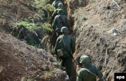 Войскі сэпаратыстаў пакідаюць пазыцыі