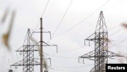 Belarus -- High-voltage power lines in Minsk, 28Jun2011