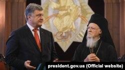 Президент України Петро Порошенко і Вселенський патріарх Варфоломій I. Стамбул (Туреччина), 3 листопада 2018 року