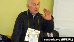 Адзін з ініцыятараў аб'яднаньня, актывіст ініцыятыўнай групы дзеля абароны аўтавакзалу «Маскоўскі» Віктар Талмачоў