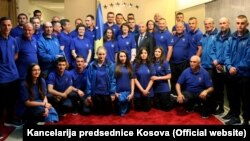Kosovski olimpijski tim sa predsednicom Atifete Jahajaga