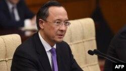 Қазақстан сыртқы істер министрі Қайрат Әбдірахманов қытайлық әріптесі Ван Имен кездесу кезінде. Пекин, 24 сәуір 2018 жыл.