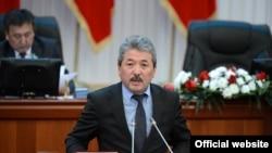 Кыргызстандын каржы министри Адылбек Касымалиев.
