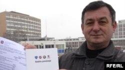 Radnik sa novim ugovorom, Foto: Branko Vučković