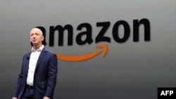 Udhëheqësi i kompanisë Amazon, Jeff Bezos.