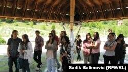 """Mladi koji učestvuju u projektu """"Nove veze pograničnih regiona"""""""