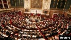 Національні збори Франції розглядають законопроект про одностатеві шлюби й усиновлення, 12 лютого 2013 року
