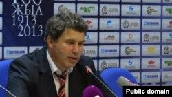"""Виктор Кумыков, """"Шахтер"""" командасының бас бапкері. (Сурет команданың ресми сайтынан алынды)"""