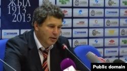 """Виктор Кумыков, главный тренер команды """"Шахтер""""."""