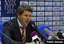 """Виктор Кумыков, """"Шахтер"""" командасының бас бапкері. Сурет команданың ресми сайтынан алынды."""