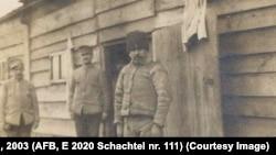 Soldați din garda românească de la Șipote