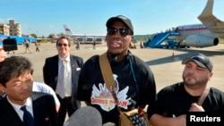 Dennis Rodman gjatë një vizite të mëparshme në Phenian të Koresë Veriore