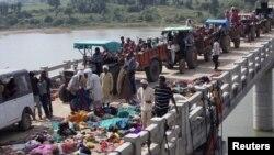 اجساد کشتهشدگان بر روی پل