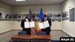 Nicolae-Ionel Ciucă, aflat în vizită oficială la Washington, și secretarul american al apărării, Mark T. Esper