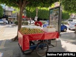 Tarabă cu fructe de cactus în Adana