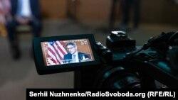 Во время эксклюзивного интервью Радіо Свобода советника Госдепартамента США Дерека Шолле, Киев, 21 июля 2021 года