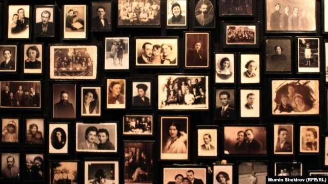 Семейные фотографии, оставшиеся от узников Освенцима
