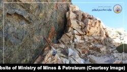 در افغانستان حدود بیش از۱۴۰۰گونه منرال و سنگ معدنی وجود دارد