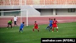 Матч между туркменскими футбольными командами. Иллюстративное фото.