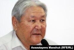 Серікболсын Әбділдин, оппозициялық саясаткер, коммунист. Алматы, 10 шілде 2012 жыл.