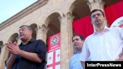 Оппозиция опасается, что президент Саакашвили может использовать большинство в парламенте для изменения Конституции