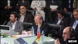 دومين اجلاس سران کشورهای حاشيه خزر با حضور روسای جمهوری کشورهای ساحلی دریای خزر صبح روز سه شنبه در تهران آغاز شد.