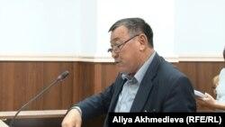 Ашимгали Жумагельдин, заместитель главного врача Аксуской районной больницы, в суде. 19 октября 2015 года.