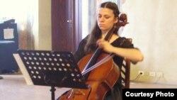 Маја Петрушевска, виолончелистка.