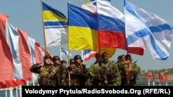 Під час спільного параду українських і російських моряків у Севастополі