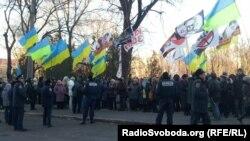 Мітинг прихильників і противників Тимошенко під приміщенням суду