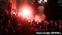 Protest în Belgrad după decizia autorităților de a reintroduce carantina în weekend, 7 iulie