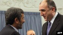 В Тегеране главе МИД Азербайджана Эльмару Мамедъярову объявили о готовности взять на себя миссию посредника по Карабаху, 14 декабря 2009 года