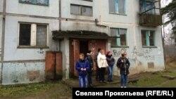 Украинцы-беженцы с большим сомнением рассматривают вариант переезда в заброшенный военный городок