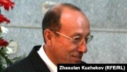 Акционер горнорудной корпорации ENRC Александр Машкевич в кулуарах заседания Совета иностранных инвесторов. Астана, 18 мая 2011 года.