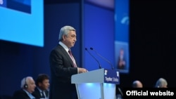 Spain -- Armenian President Serzh Sarkisian delivers a speech during the European People's Party congress in Madrid, 21 Oct, 2015