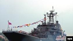 A battleship of the Russian Black Sea Fleet in Sevastapol's harbor