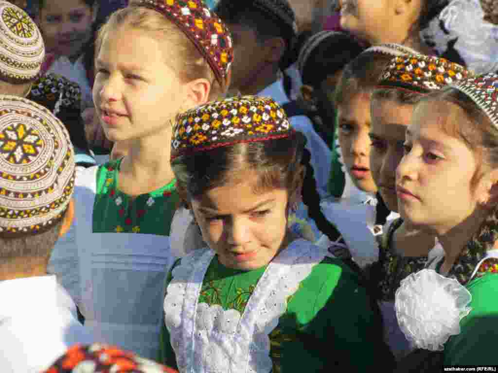 Festivities in Ashgabat, Turkmenistan, on the first day at School No. 52.