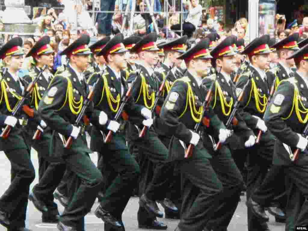 Парад в Києві. День Незалежності 24 серпня 2009 - Війська на марші