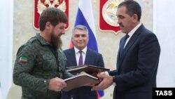 Глава Чечни Рамзан Кадыров, полпред президента в СКФО Александр Матовников и ингушский лидер Юнус-Бек Евкуров, архивное фото