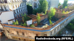 Будинок не має даху, але тут зареєстроване ОСББ