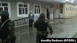 Поиск бомбы в мечети