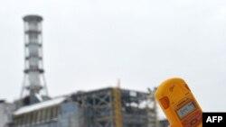 Саркофаг над реактором Чернобыльской АЭС