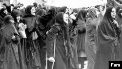 برگشت به شعائر اسلامی، بخشی از خواسته های انقلاب بود، اما اکنون به نظر می رسد که خواسته های متفاوتی در جامعه مطرح است.
