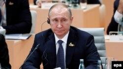 ABŞ-Orsýet gatnaşyklary ýaramazlaşýan wagty, Tramp ilkinji gezek Putin bilen duşuşýar